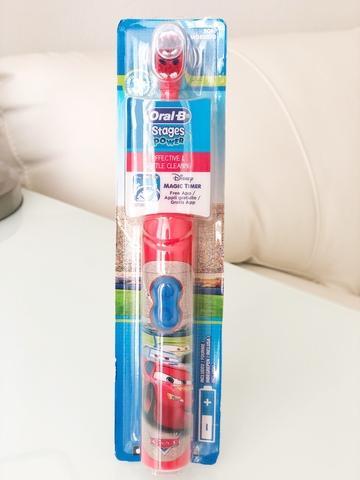 Электрическая зубная щетка  Oral-b детская (Cars) + таймер в подарок