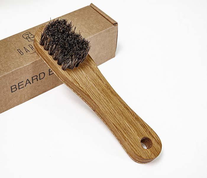 RAZ2013 Щетка для бороды с деревянной рукояткой фото 02