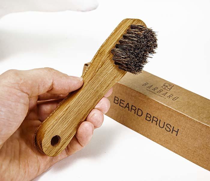 RAZ2013 Щетка для бороды с деревянной рукояткой фото 05