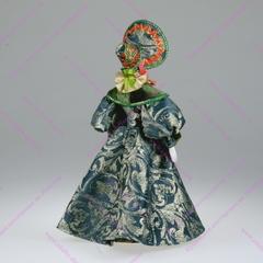 Сувенирная кукла в платье с муфтой