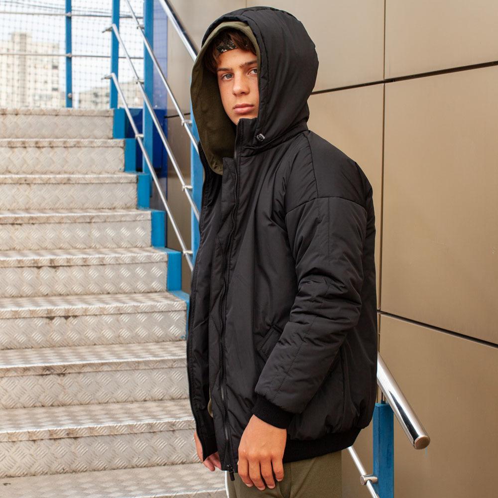 Демісезонний бомбер чорного кольору з водовідштовхувальної плащової тканини на хлопчика