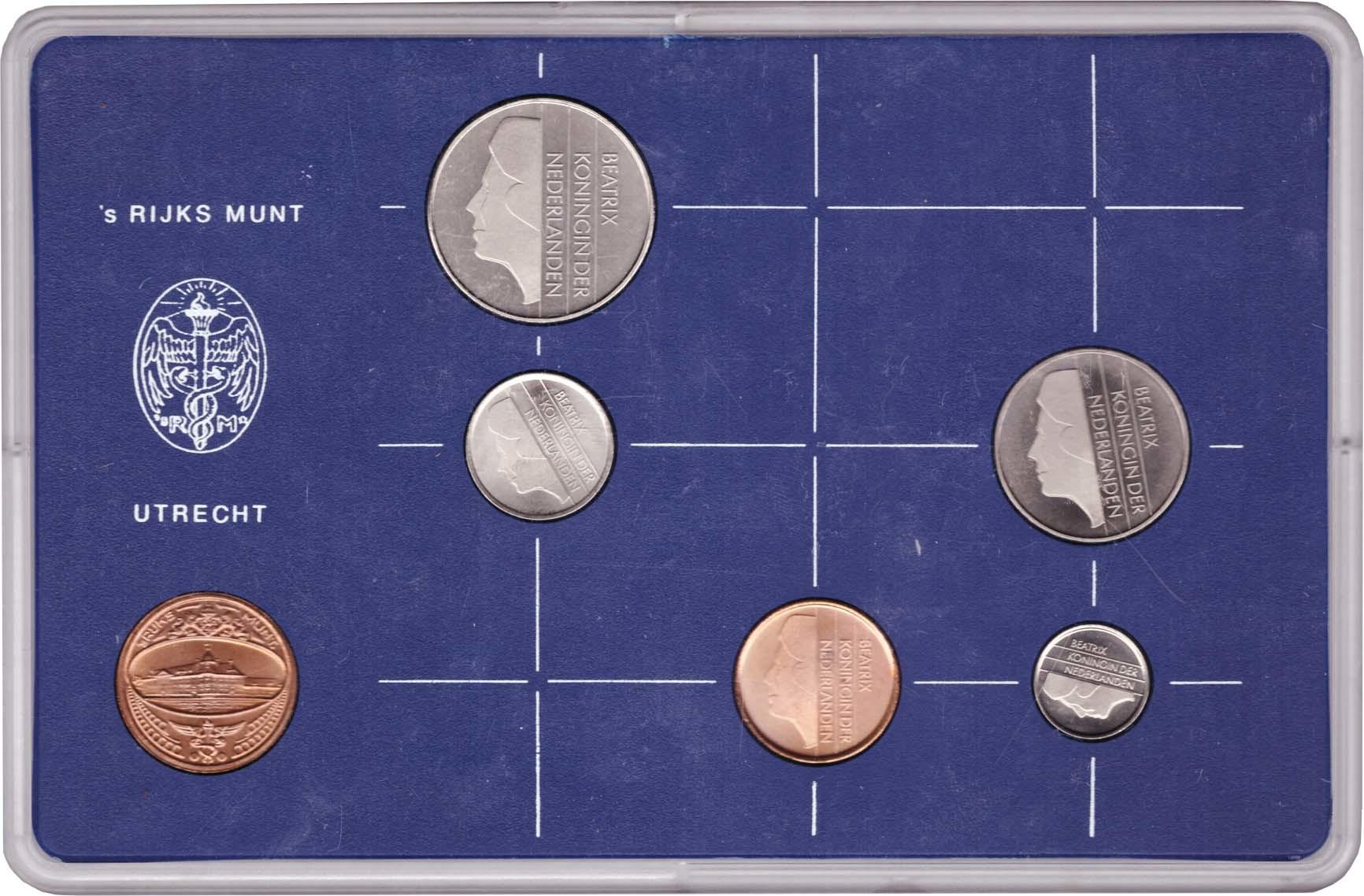 Набор монет Нидерландов 1982 UNC в пластиковой упаковке