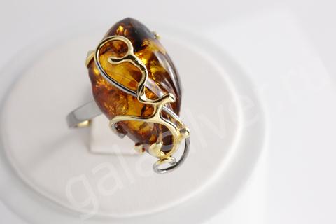 Кольцо с янтарем из серебра 925