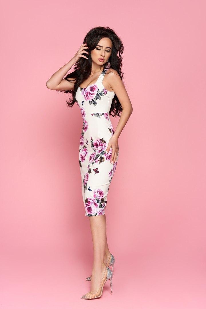 Силуэтное летнее платье миди, с принтом