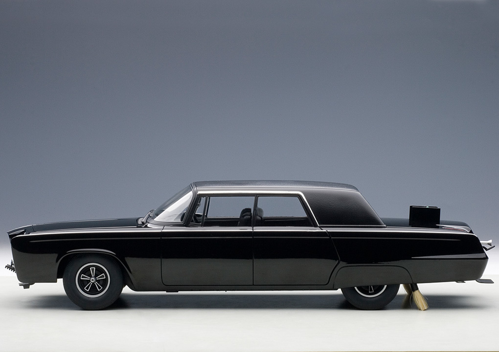 Коллекционная модель Chrysler Imperial Black Beauty Green Hornet 1966-1967 Black