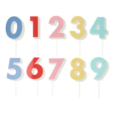 Топперы  акриловые с радужными цифрами (в наборе 10 шт)