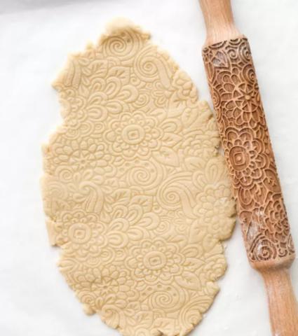 Скалка деревянная с узором