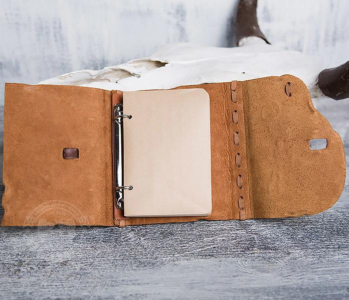 BY01-04-05 Кожаный блокнот  ручной работы «Цель Близка» с клыком (А6) фото 07