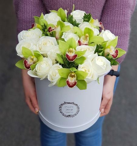Коробка розы с орхидеей 9