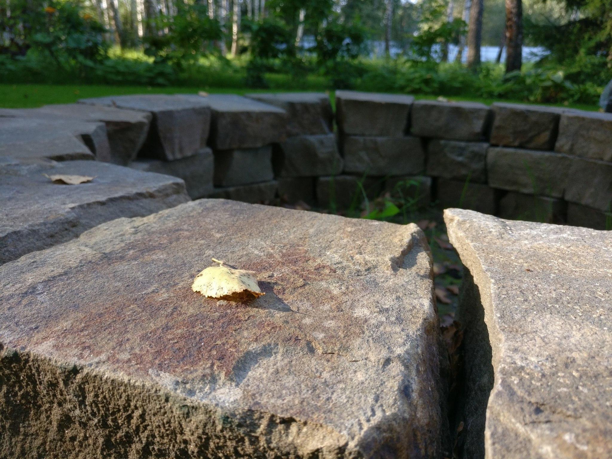 Песчаник колотый для кострища из камня
