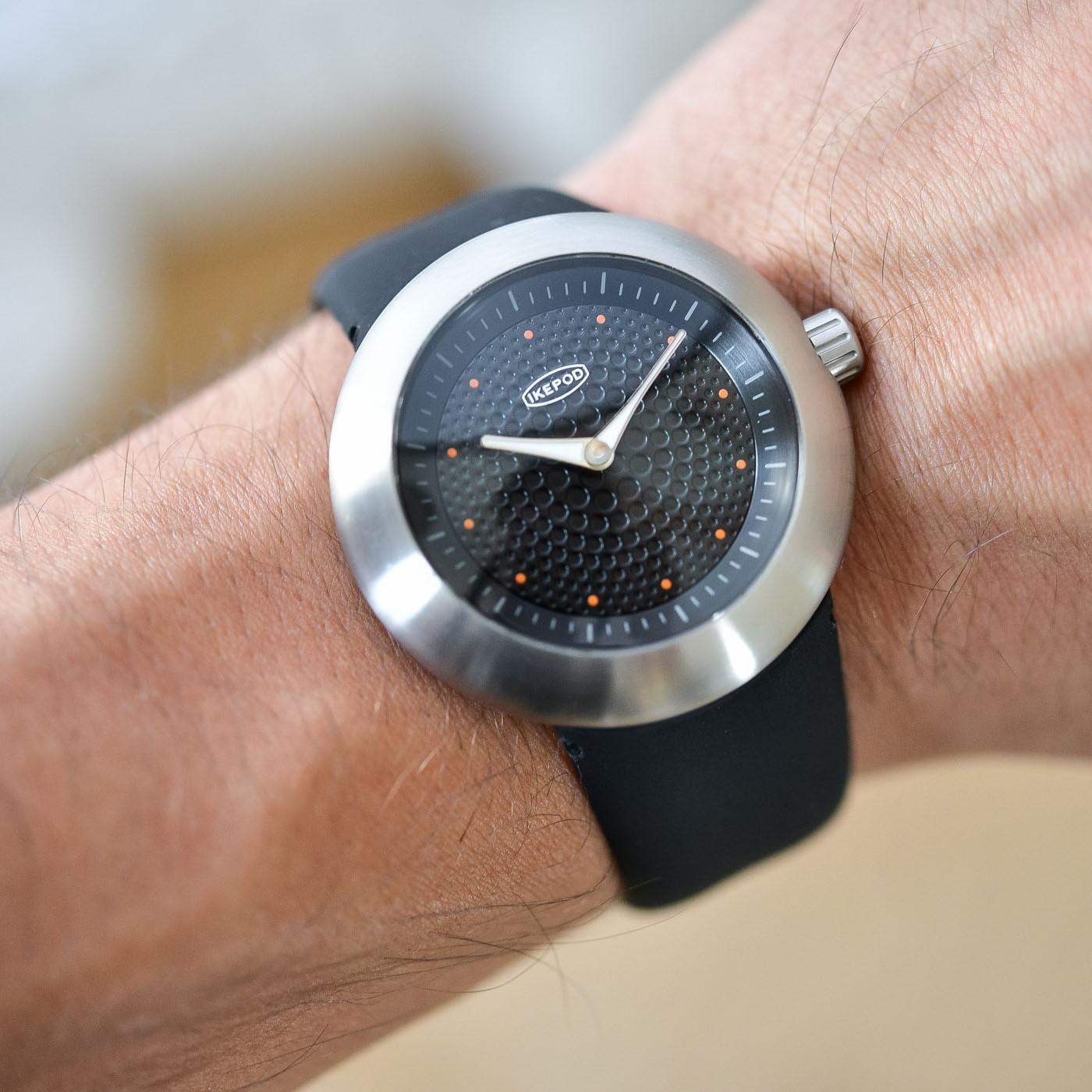 Икипод часы Duopod