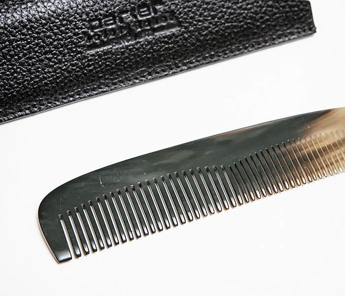 RAZ500 Крупная расческа «PARKER» из рога в кожаном чехле фото 02