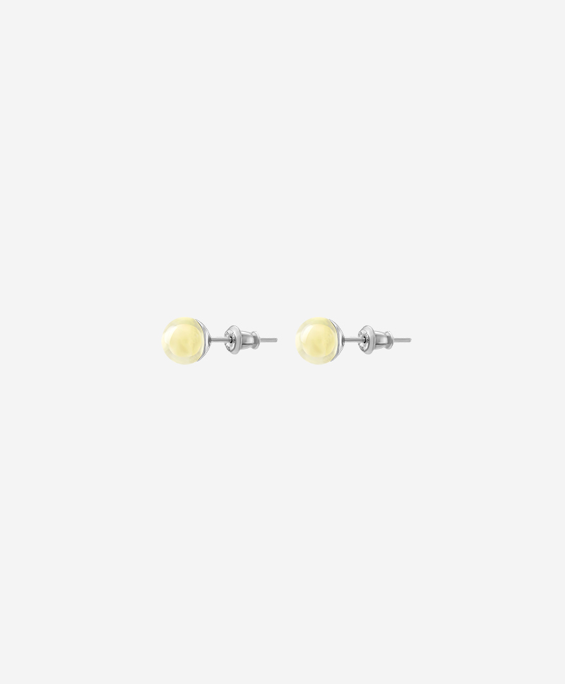 Серьги-пусеты со светлым янтарём