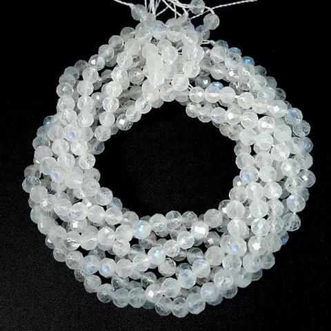 Бусины лунный камень AА граненый 4,5 мм цена за 46 бусин (~19 см)
