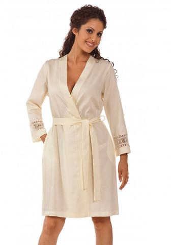 Женский халат с шитьем на рукавах