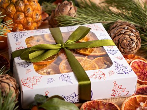 новогодний подарок орехи и сухофрукты