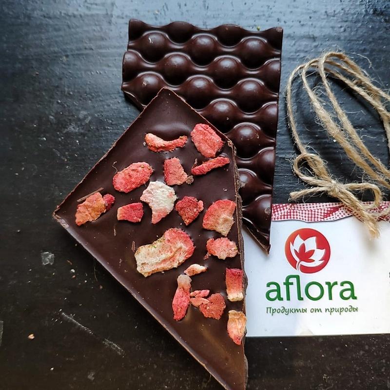 Фотография Шоколад на меду с клубникой / 65 гр купить в магазине Афлора