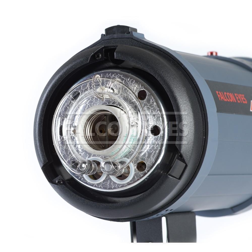 Falcon Eyes DE-600BW