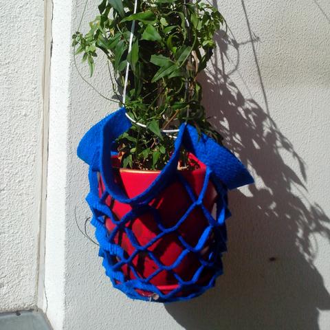 кашпо для цветов подвесное, синее