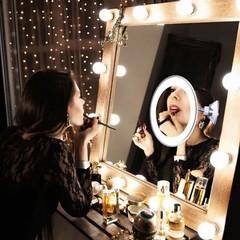 Настенное зеркало с 10ти кратным увеличением и подсветкой на присоске Ultra flexible mirror