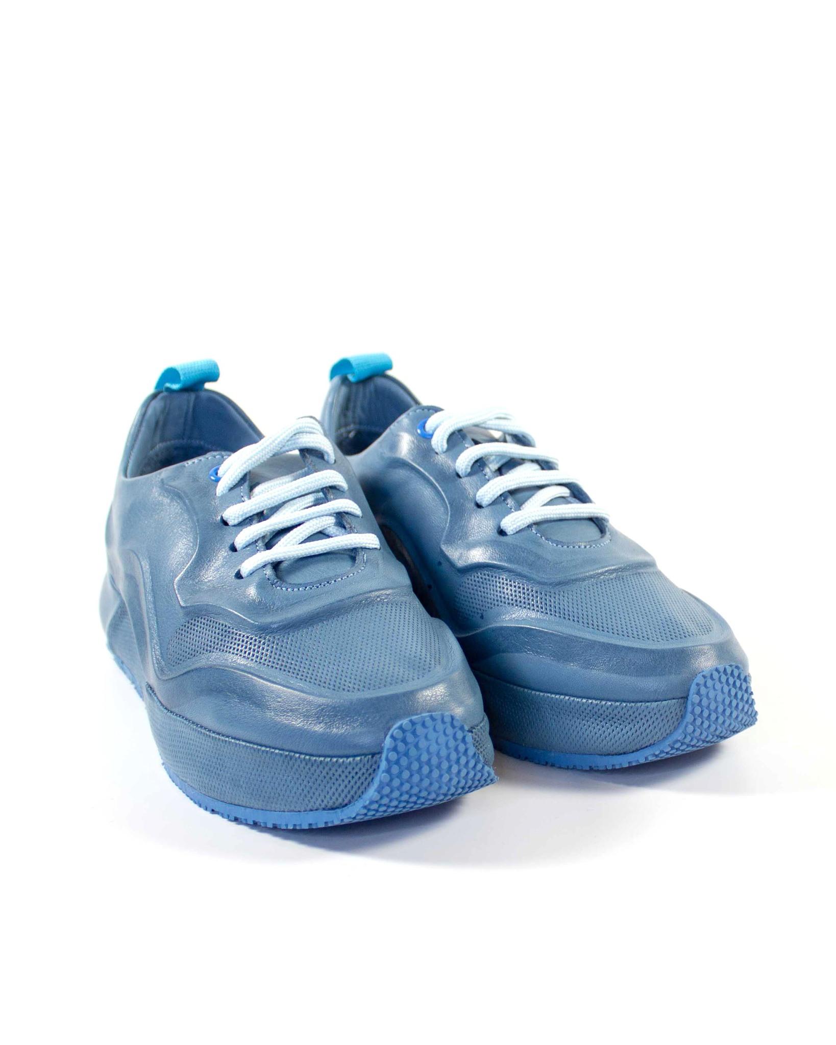 голубые кроссовки SM