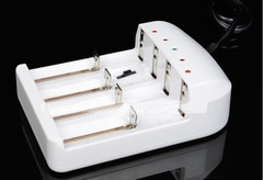 Зарядное устройство на 4 аккумулятора 18650; 26650; 16340; АА; ААА