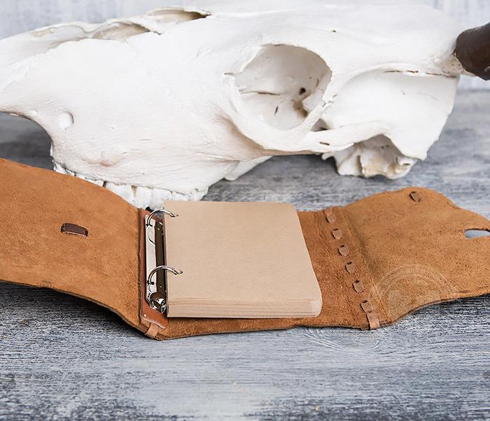 BY01-04-05 Кожаный блокнот  ручной работы «Цель Близка» с клыком (А6) фото 09