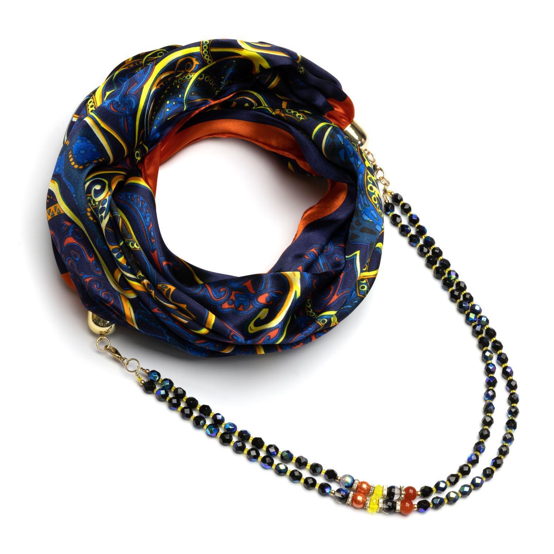 Синий шелковый платок с бусами