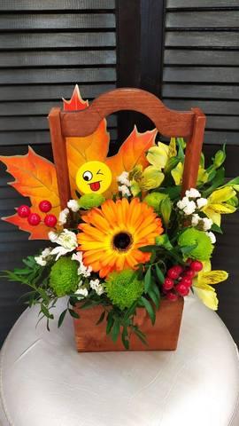 Цветы в деревянном ящике #1767
