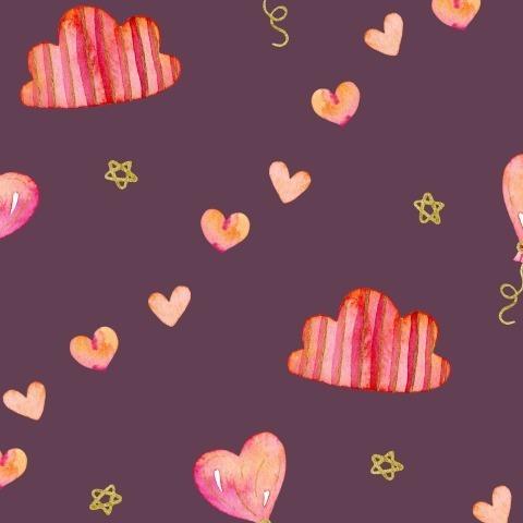 Сердечки и облака на фиолетовом фоне