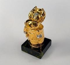 Позолоченная статуэтка Говяжья тушенка. Бронза, 6см