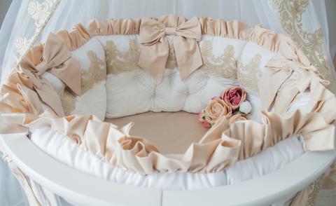 Комплект в круглую/овальную кроватки Gold