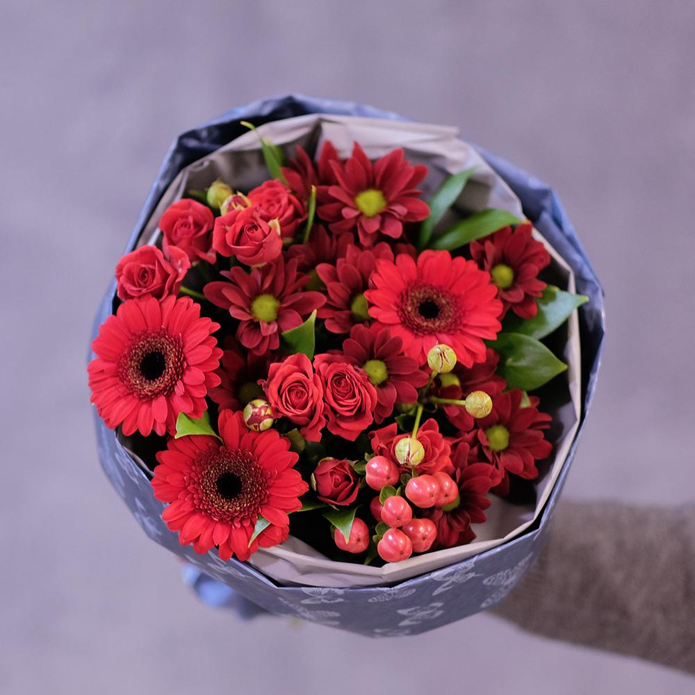 Купить большие ромашки кустовые розы Пермь