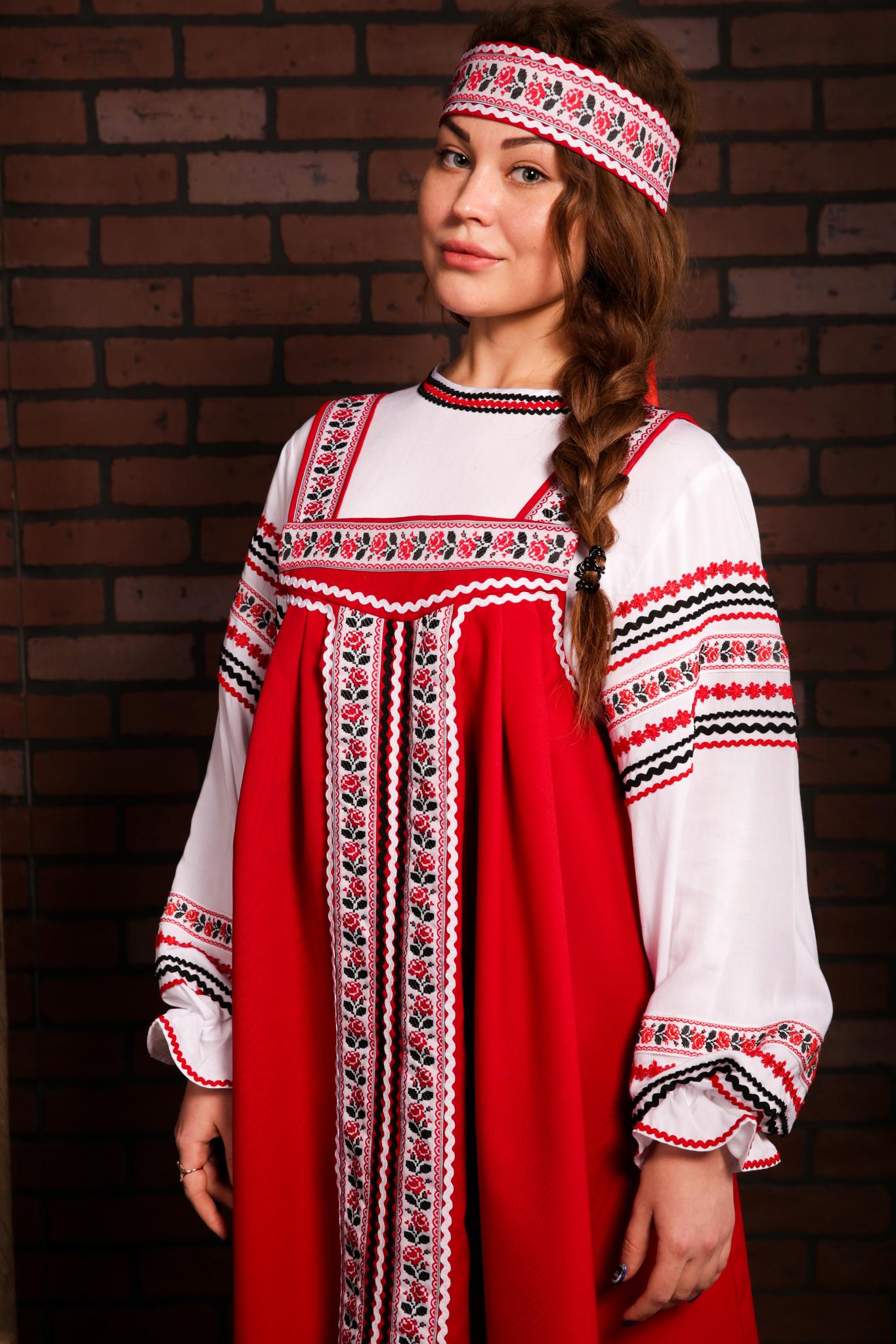 русские традиционные костюмы с орнаментом Иванка плечо