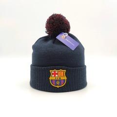 Вязаная шапка с логотипом ФК Барселона (FC BARCELONA) синяя с помпоном