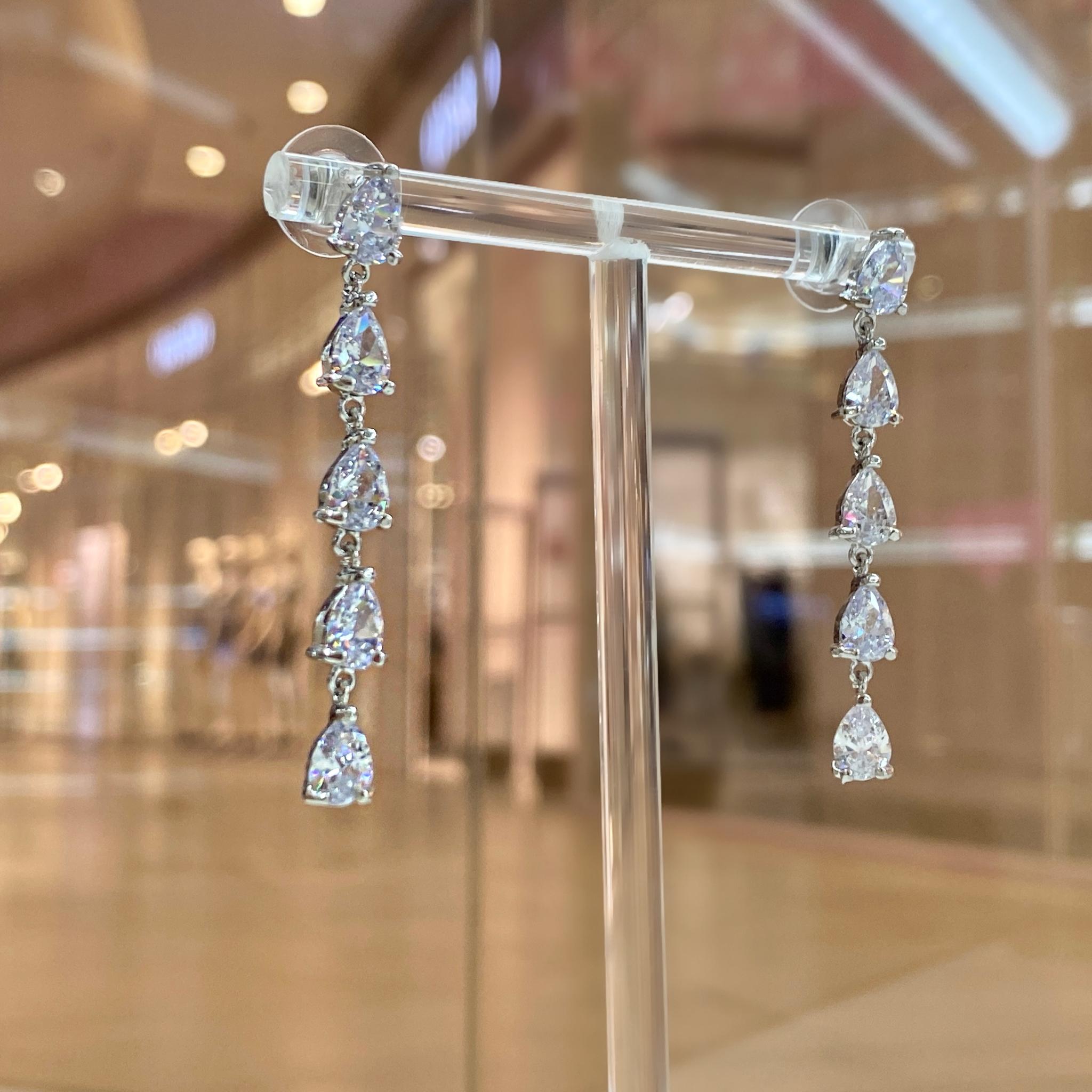 Серьги-дорожки Циркон с каплевидными подвесками