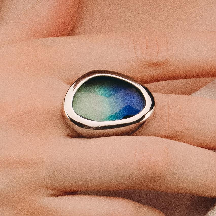Кольцо с крупным каплевидным кристаллом (зелено-голубой)