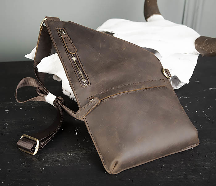 BAG472-2 Кожаная мужская сумка с одной лямкой