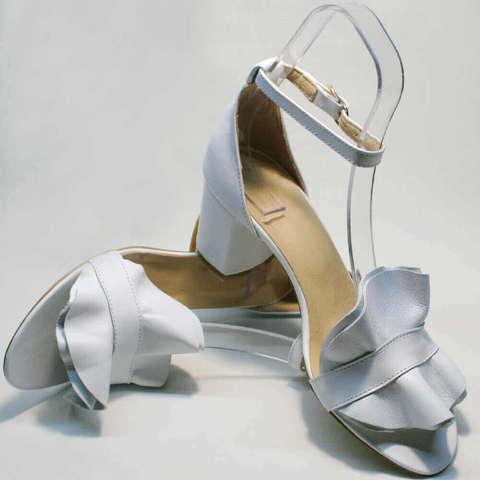Белые босоножки с закрытой пяткой женские Ari Andano K-0100 White.