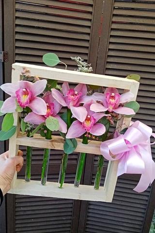 Розы в деревянной рамке  #20734