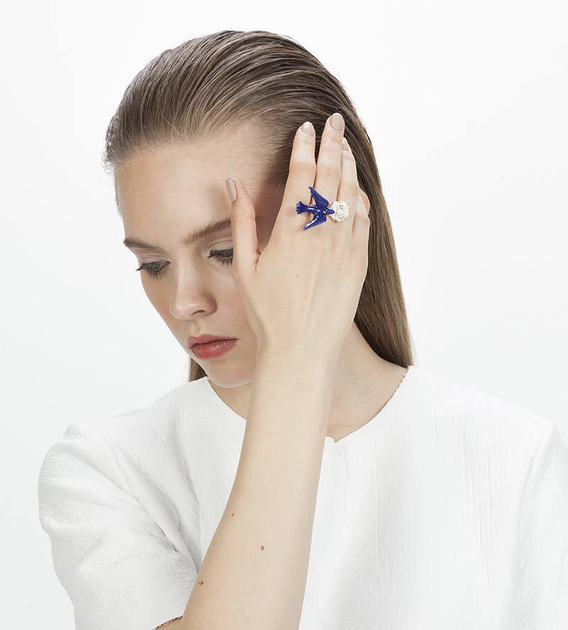 Кольцо_из_фарфора_Flower_Dove_Blue_от_ANDRES_GALLARDO