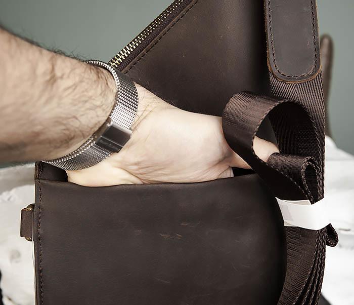 BAG472-2 Кожаная мужская сумка с одной лямкой фото 06