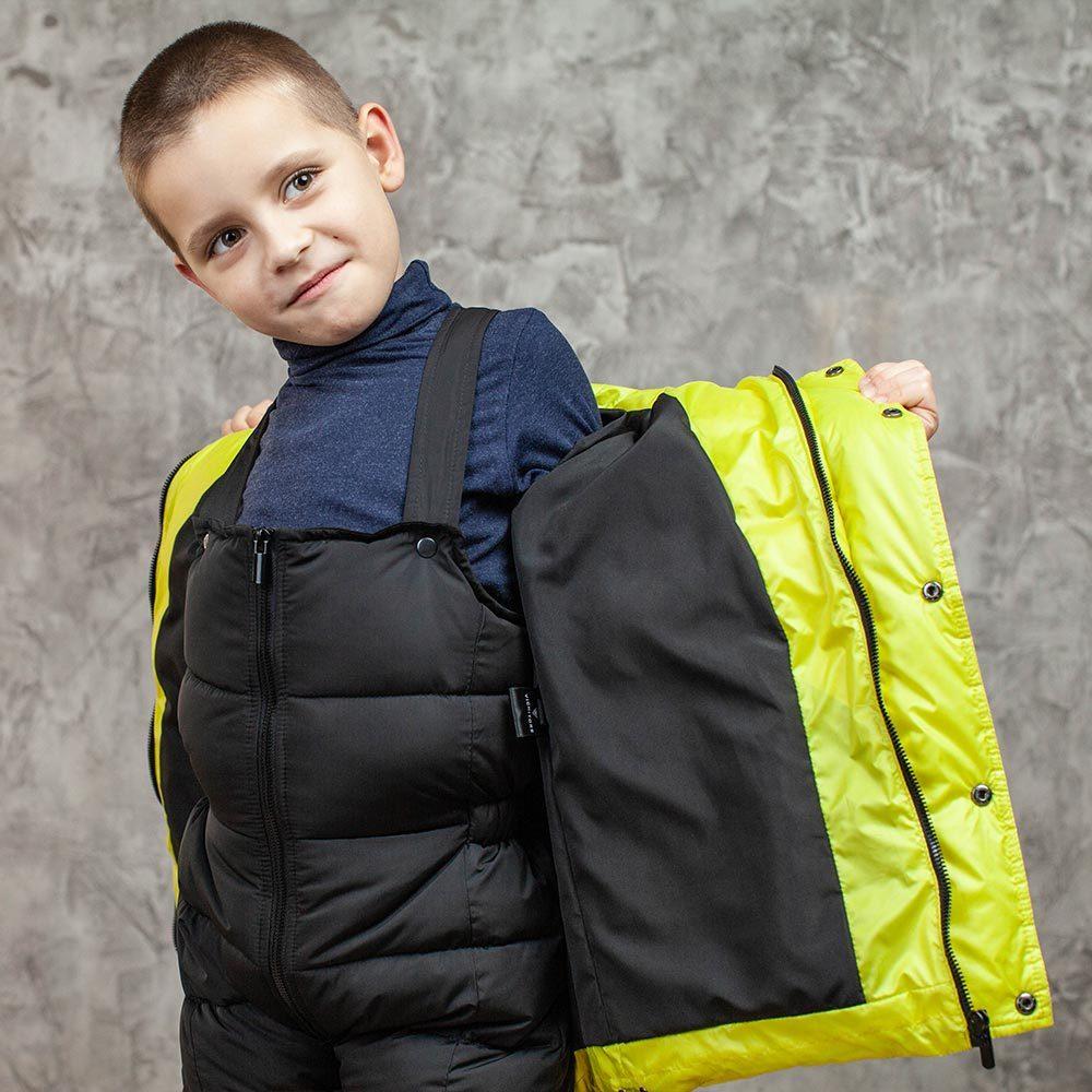 Детский зимний костюм с натуральной опушкой в желтом цвете для мальчика