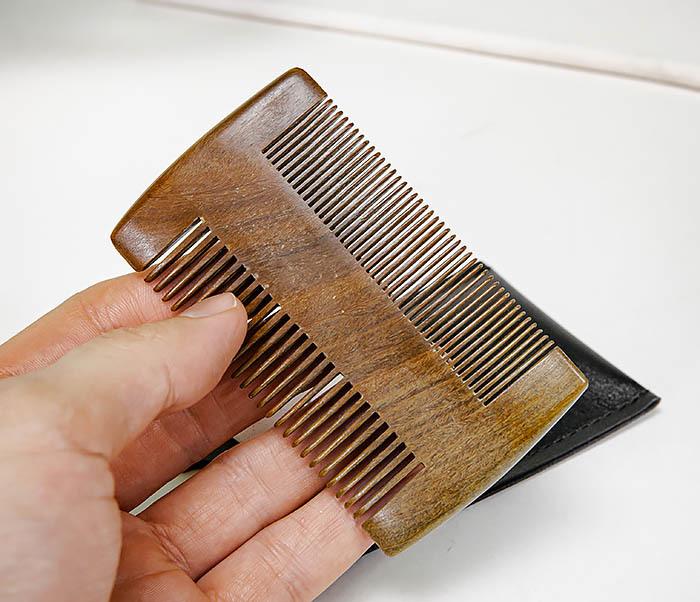 CARE157-2 Деревянный гребень для бороды в кожаном чехле фото 05