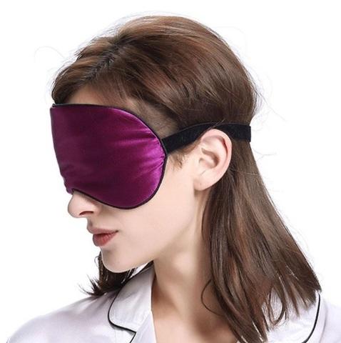 Шелковая маска для сна малиновая