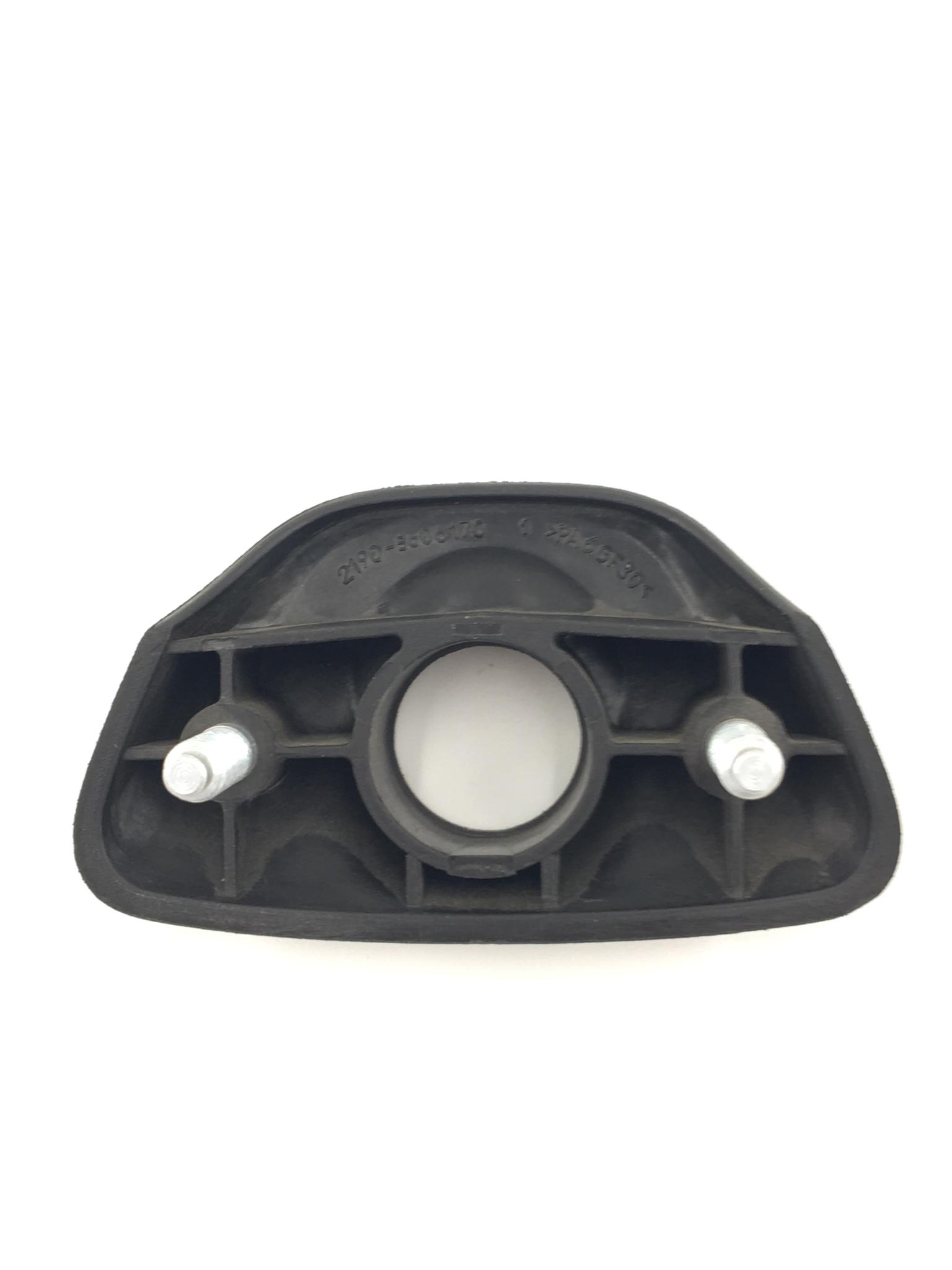 Облицовка корпуса замка крышки багажника (ручка)