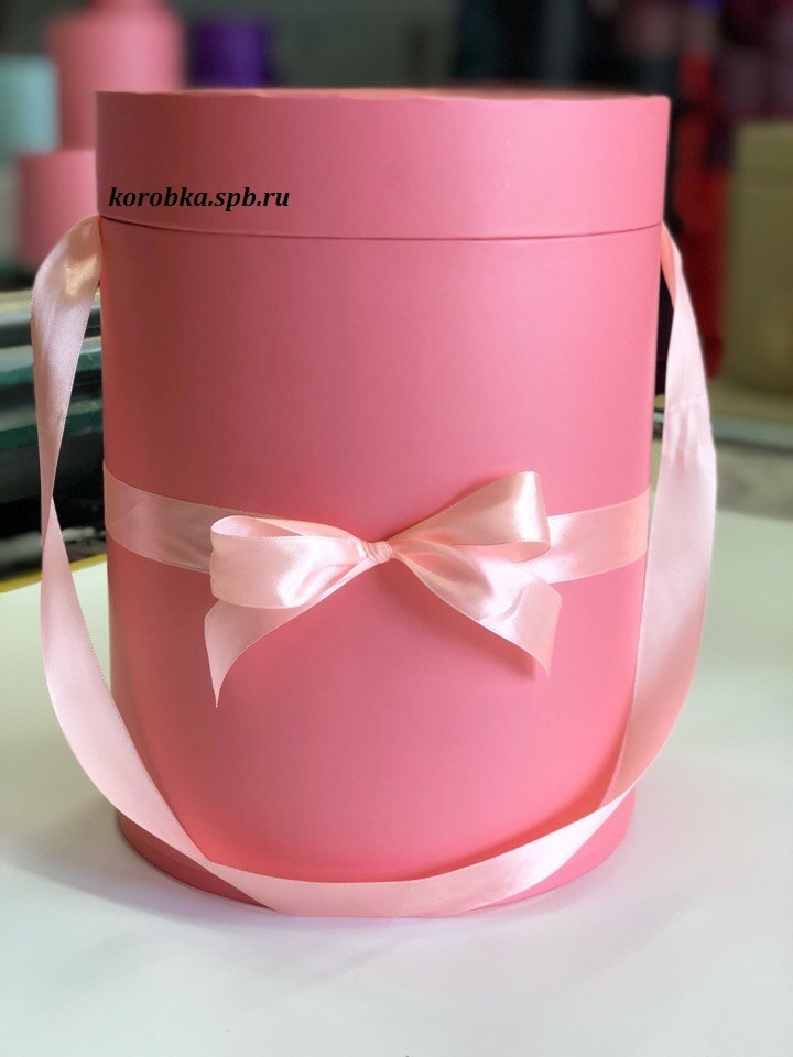 Шляпная коробка 22,5 см Цвет:  розовый. Розница 450 рублей .