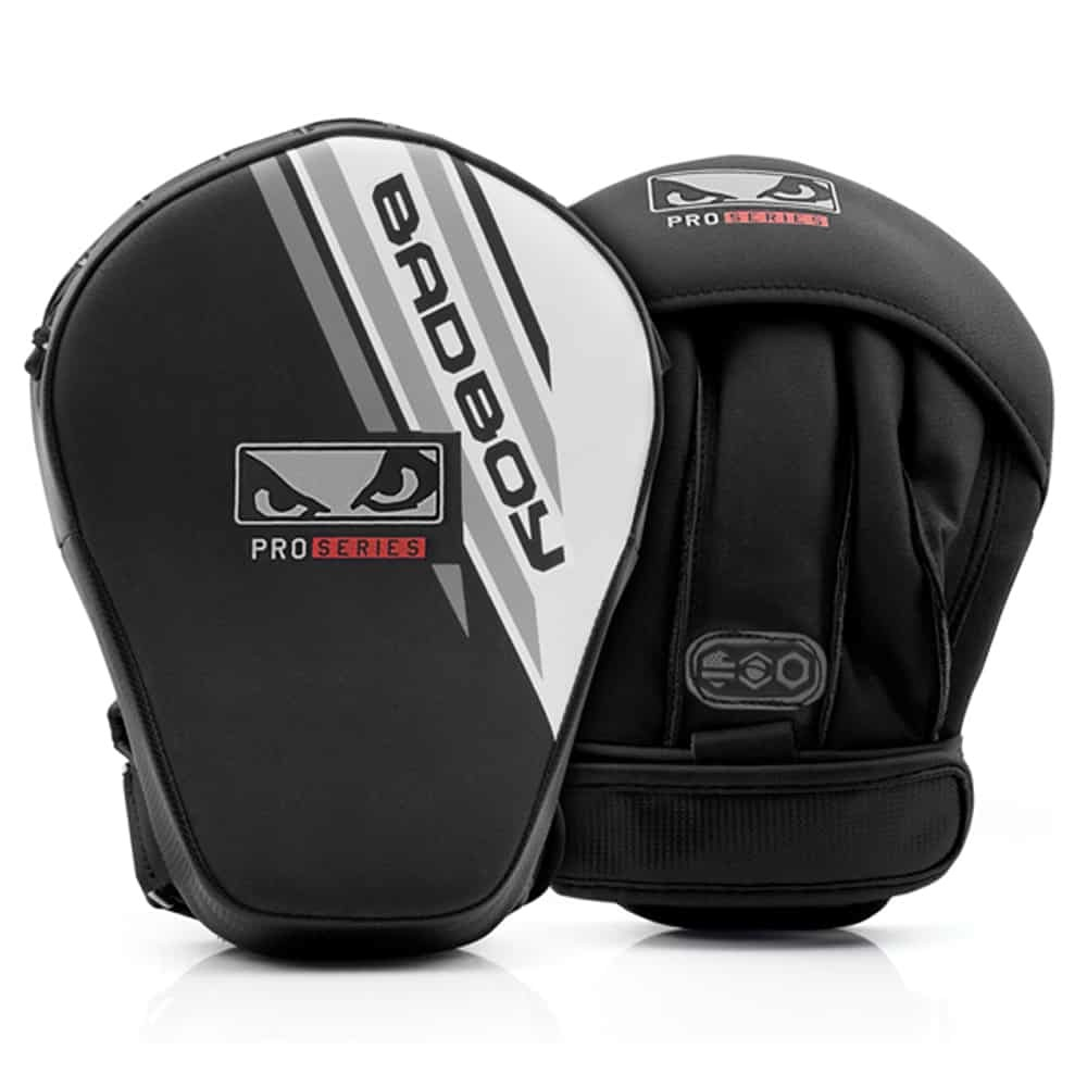 Снаряды Лапы Bad Boy Pro Series Advanced Mini Focus Mitts Black/White 1 пара 1.jpg