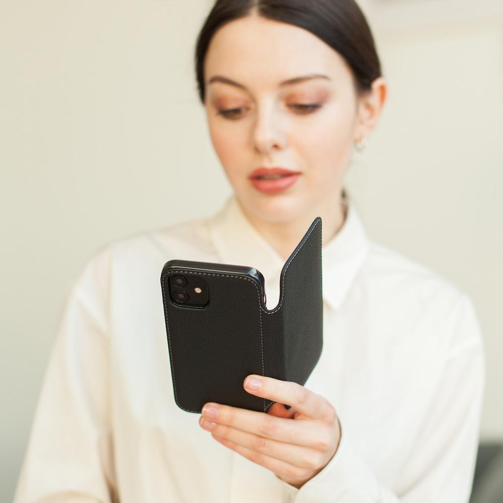 Чехол Benoit для iPhone 12/12Pro из натуральной кожи теленка, цвета черный мат