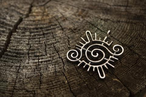 серебряный талисман Кельтское Солнце